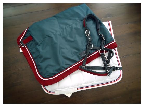 // Waterproof rug - Dressage saddle pad - Halter //
