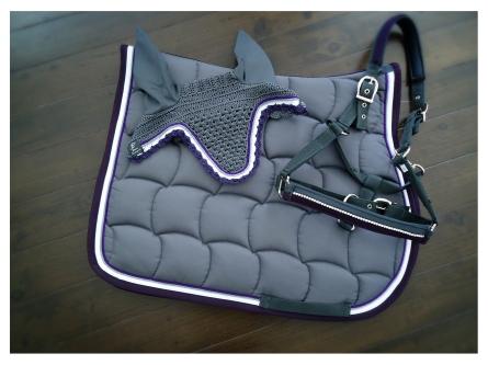 // Saddle pad - Fly hood - Halter //
